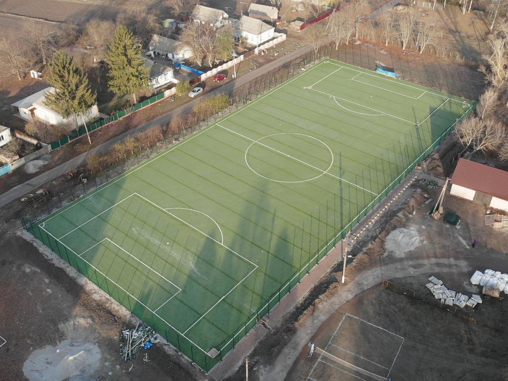 Укладка искусственной травы 60 мм, 4136 м2, с.Мировка, Кагарлыцкий р-н