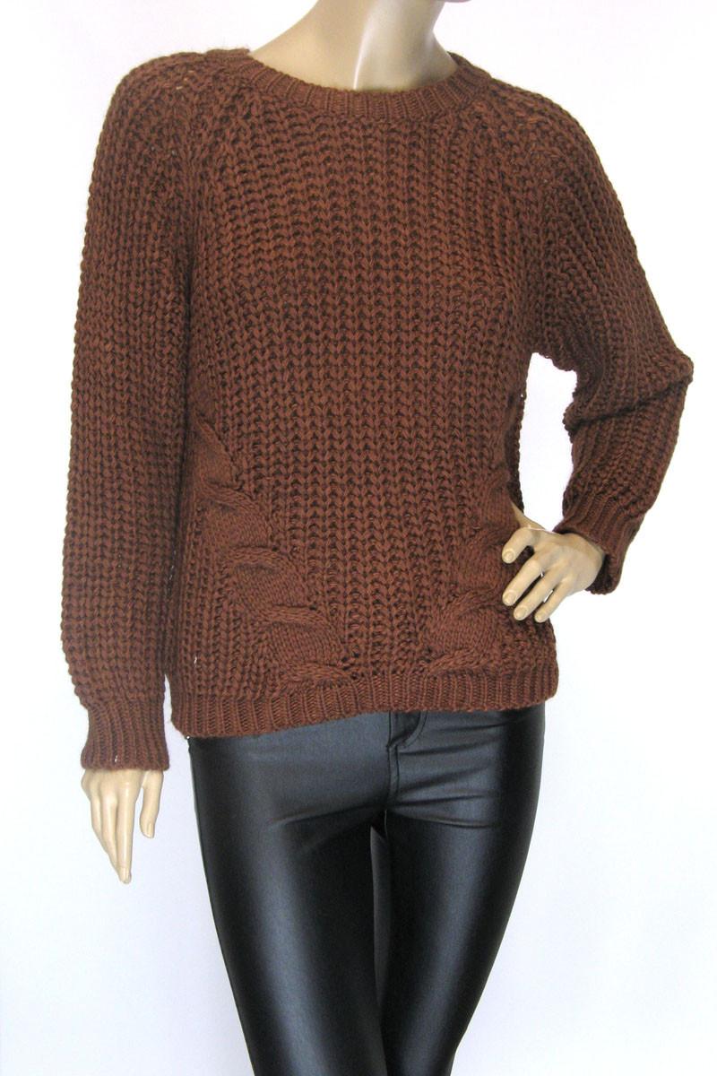 Жіночий в'язаний светр гірчичного кольору