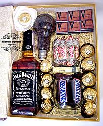Подарунок Jack Daniels у вигляді книги.Подарунковий набір № 34 чоловіку,шефу, другу, партнеру,тату,брату,куму