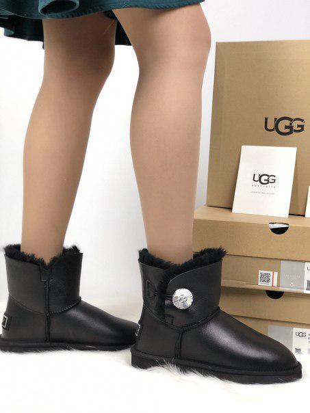 Женские кожаные угги UGG на овчине