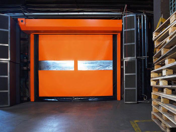 ПВХ ворота DoorHan SpeedRoll SDF скоростного типа для пищевой промышленности