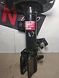 Амортизатор передний правый Nissan Micra 02-10 Ниссан Микра KYB, фото 3