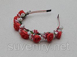 Обруч вінок з червоними трояндами