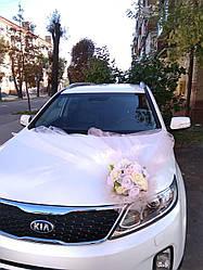 Икебана на свадебную машину пудра. Украшения на свадебный автомобиль