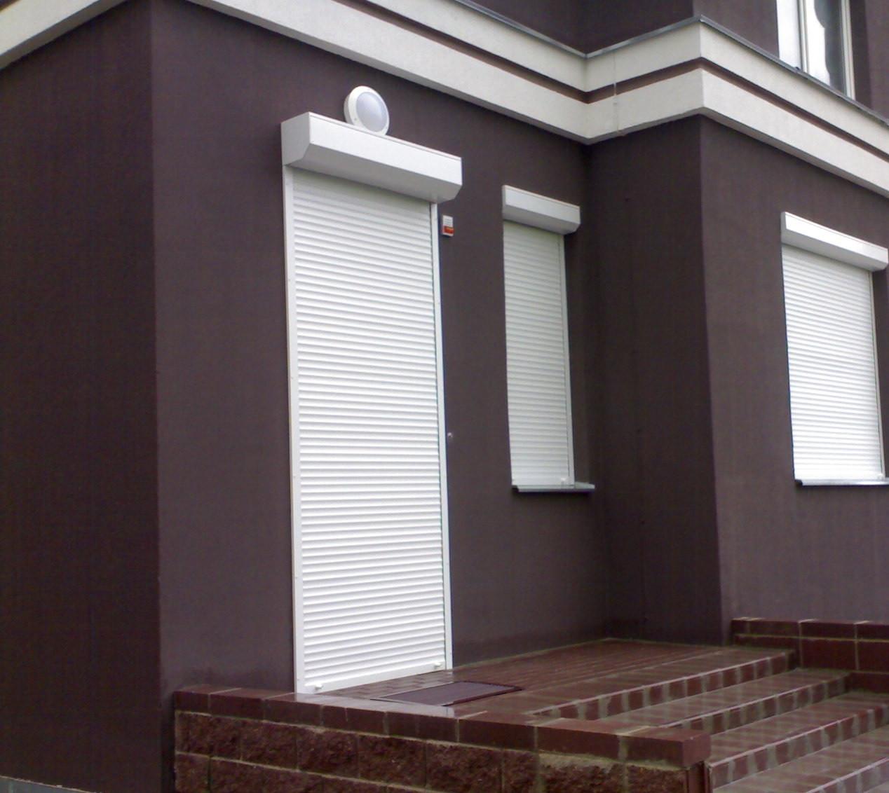 Защитные роллеты / рольставни Алютех на двери 1100х2300