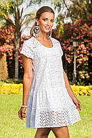 Белое приталенное летнее платье с перфорацией и коротким рукавом (S, M)