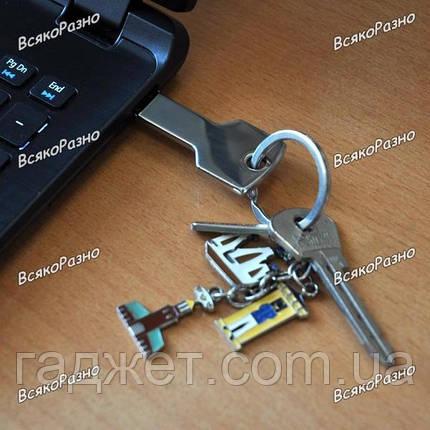 Флешка Ключ 32 Гб  серебряного цвета., фото 2