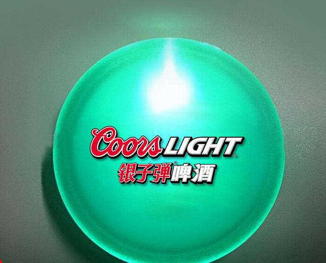 Рекламный светодиодный значок. LED Значок бейдж