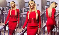 Стильный костюм классического силуэта Loui Vuitton красный