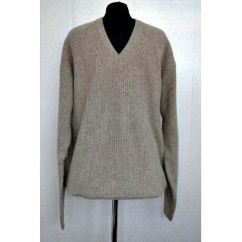 Отличный мужской свитер вырез мысик от производителя