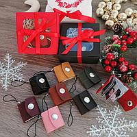 Фото-брелок Revier из натуральной кожи с 14 фотографиями внутри. Подарок на Новый Год. Новогодний подарок