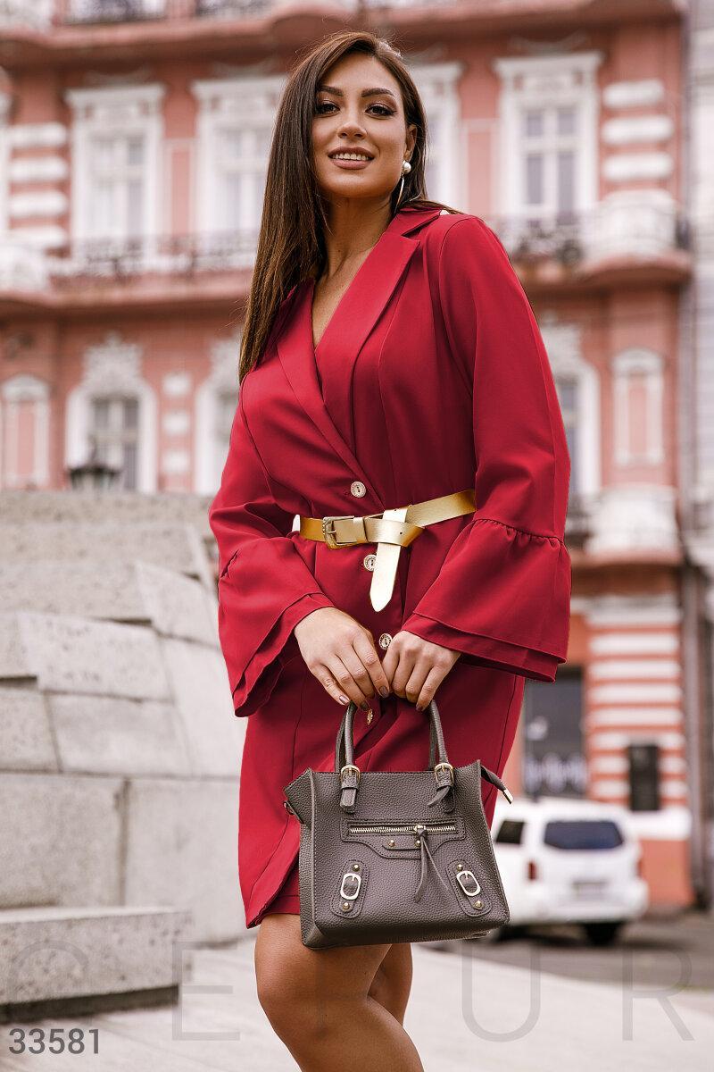 Платье-рубашка с поясом большого размера красное
