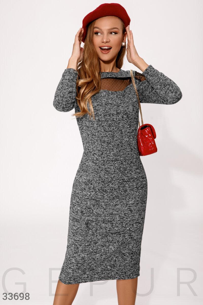 Платье миди из твида с вставками гипюра