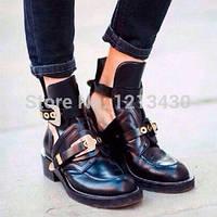 Молодежные ботинки с пряжками