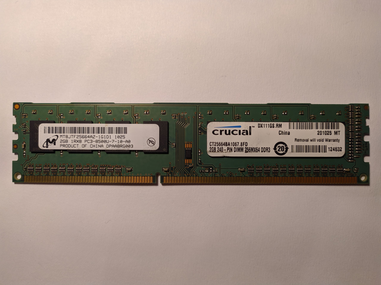 Оперативная память DIMM Micron DDR3 2GB 1Rx8 1066MHz (MT8JTF25664AZ-1G1D1) Б/У