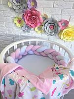 Защита в круглую кроватку бортик косичка, цвет белый розовый