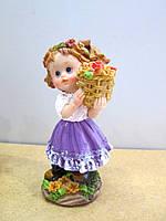 Оригинальный подарок статуэтка Девочка с букетом