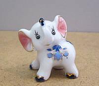 Небольшая статуэтка из фарфора Слонёнок