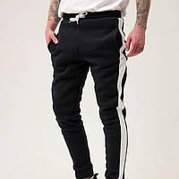 Спортивные штаны мужские тёплые с лампасами чёрные