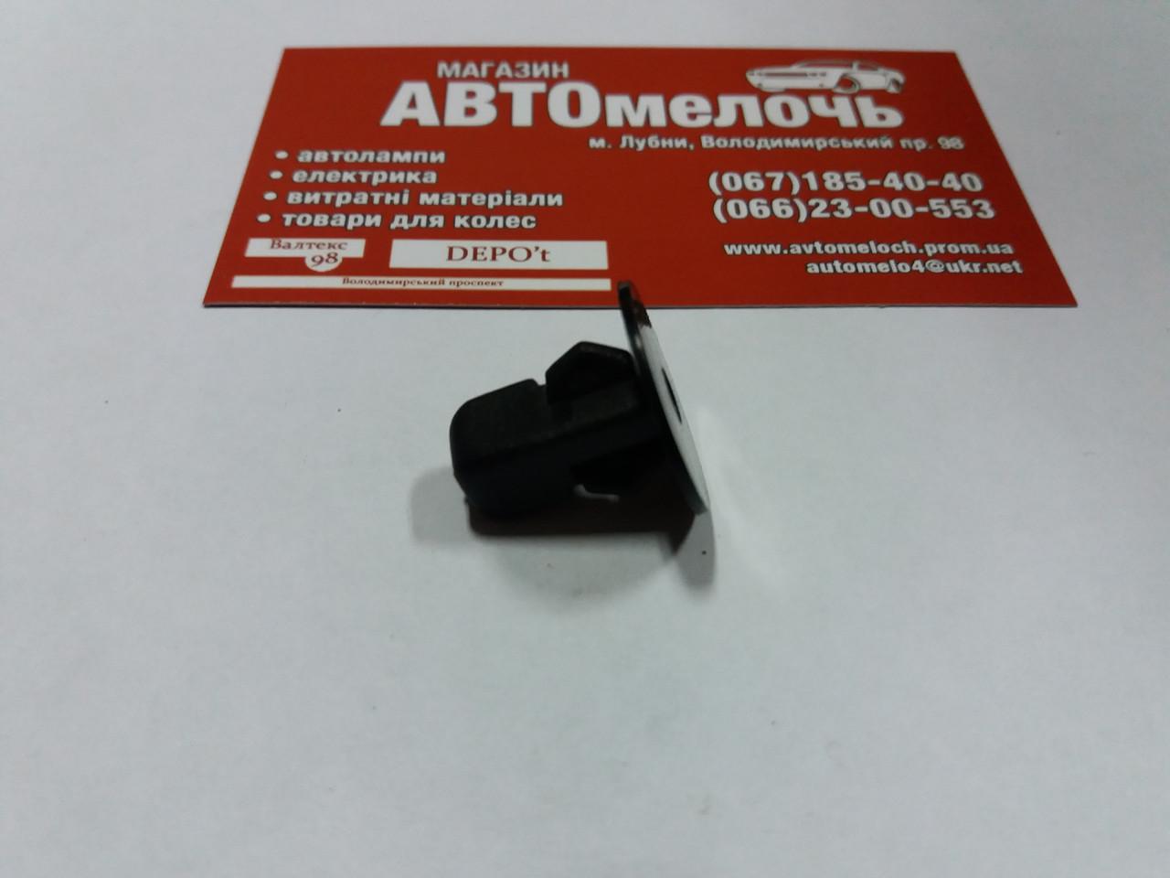 Квадрат обшивки 8 мм. черный (Honda, Toyota, Ford) 90189-06013