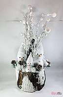 Новогодний большой декор настольный снеговики в пеньке 75 см