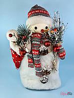 Декоративный новогодний снеговик с подарками для украшения магазина 42 см