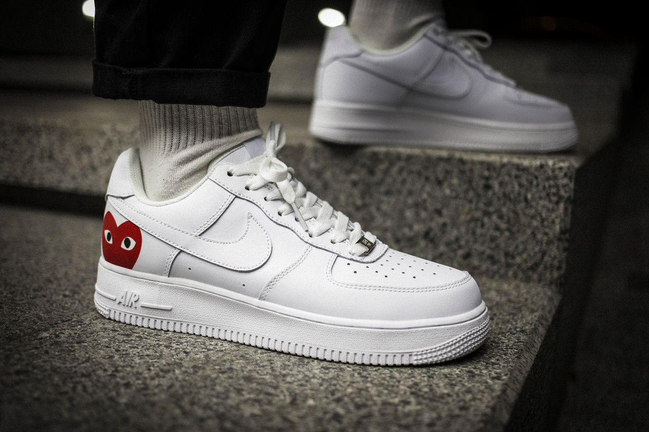 Мужские кроссовки Comme des Garcons PLAY x Nike Air Force 1 CDG White Red ( Реплика )