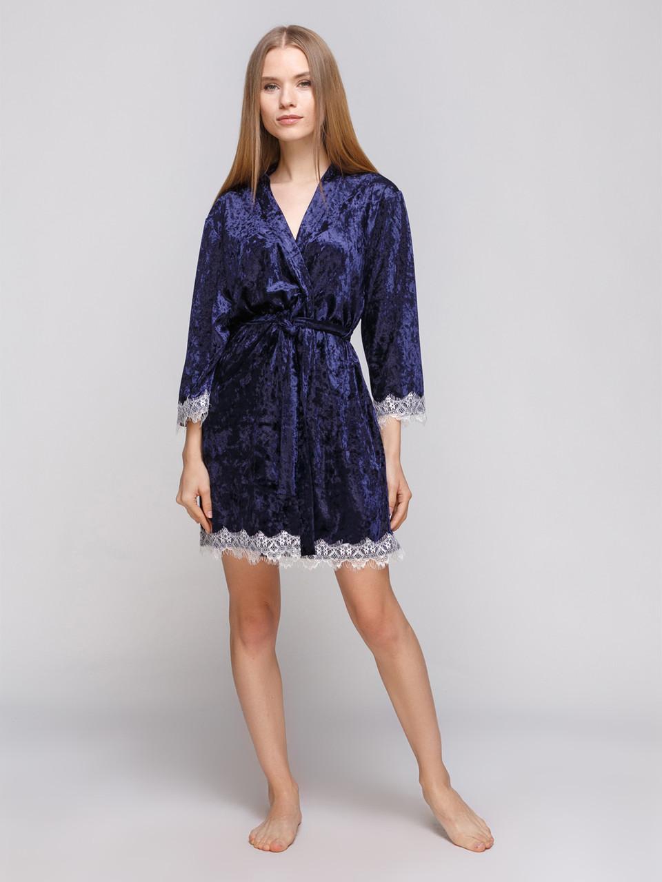 Халат из мраморного велюра Serenade синий с шампаневым кружевом