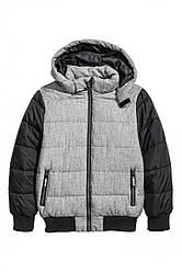 Утепленная куртка с капюшоном                         H&M                         134 (8-9y)                         Серая