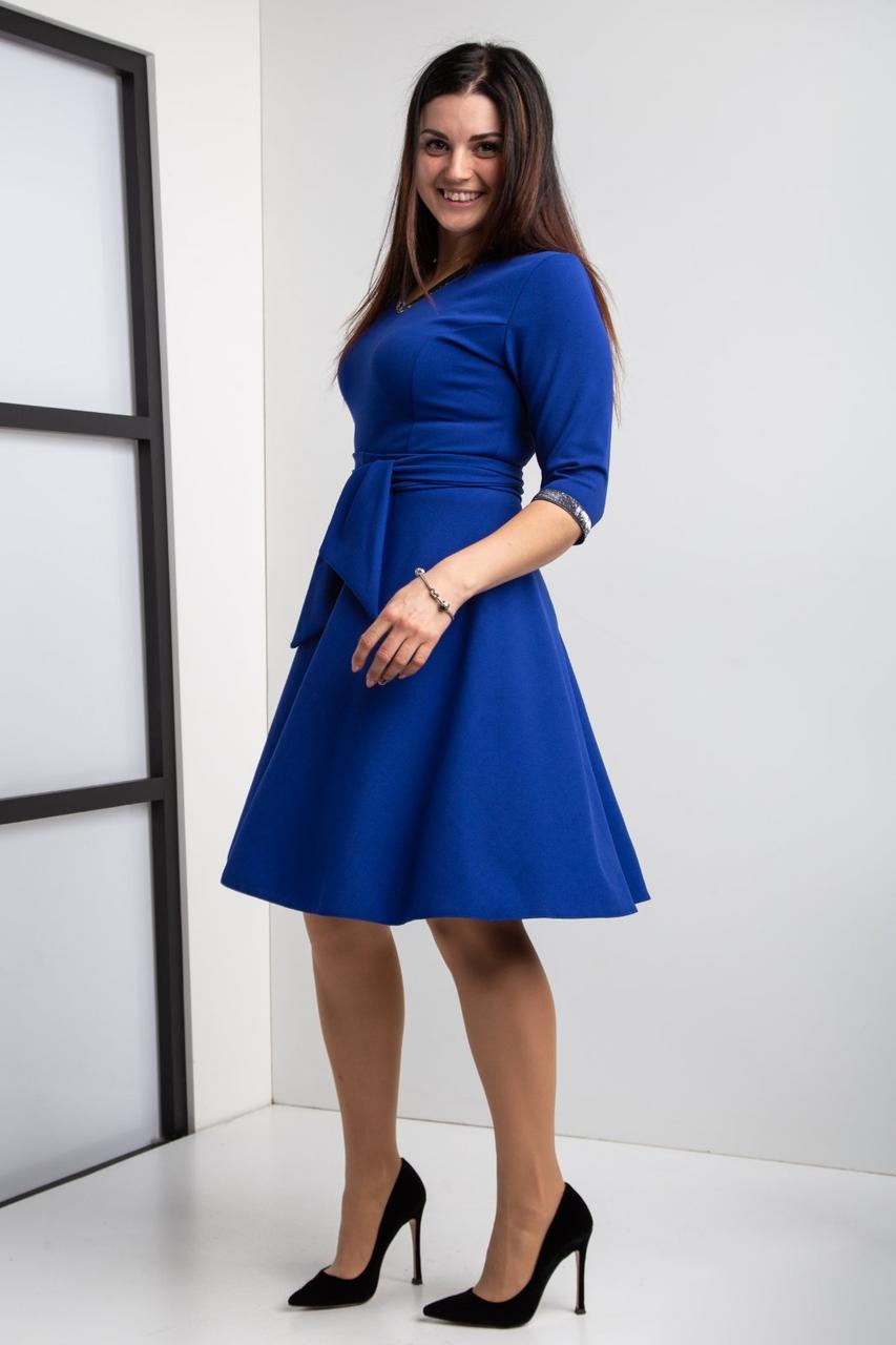 Стильное клешное платье с Vобразным вцрезом, разм 44-58