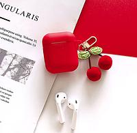 Чехол IQEA для наушников Apple AirPods TWS i10 i12 i13 Bluetooth Цвет Красный с брелком Silicone Case