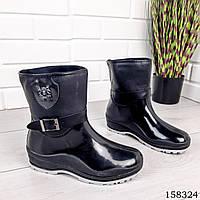 Женские сапоги демисезонные, черного цвета из литой резины и текстиля, на липучках, внутри легкий утеплитель 1078570250