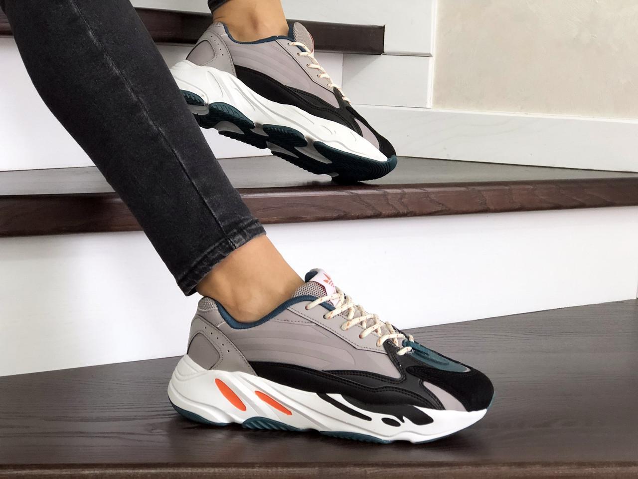 Женские кроссовки Adidas Yeezy Boost 700 (капучино)