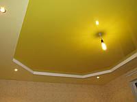 Глянцевый натяжной потолок