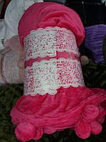 Велюровое покрывало с бумбонами Евро размера розовое