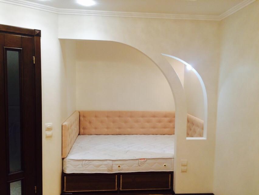 М'які панелі для ліжка в нішу 1