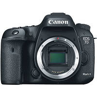 Фотоаппарат Canon EOS 7D Mark II Body + WiFi адаптер W-E1 Гарантия от производителя / на складе