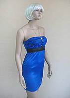 Ярко-синее женское нарядное платье из атласа и гипюра