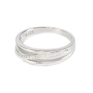 Серебряное кольцо с диагональной вставкой фианитов 17 (RN007SV)