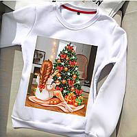 Молодежный белый свитшот с новогодними принтами