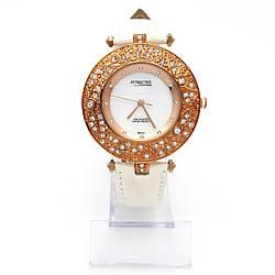 Часы QQ под золото на белом ремешке, длина 16,5-22,5см, циферблат 40мм