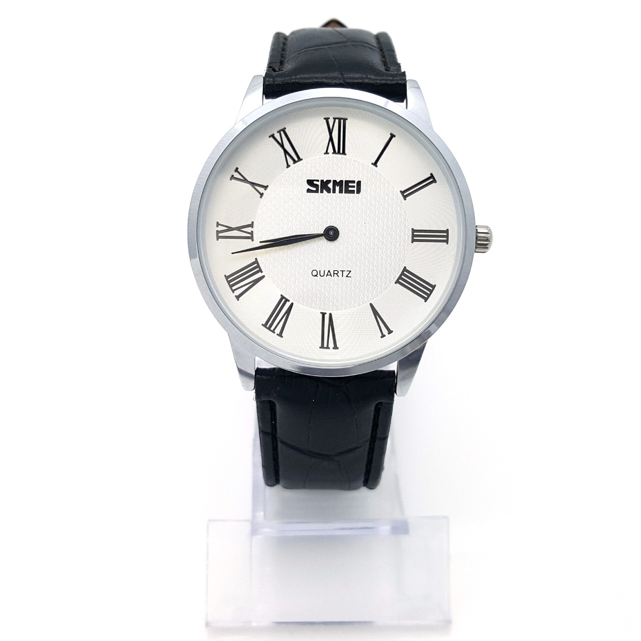Часы Skmei серебристые, на черном ремешке, длина 18,5-23см, циферблат 39мм