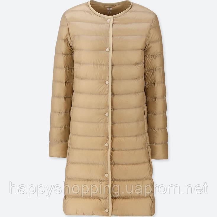 Женское бежевое ультралегкое  пальто на пуху Uniqlo