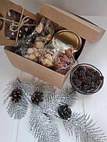 Подарочный набор орехов и сладостей Привет из леса