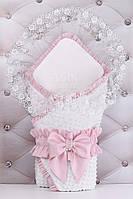 Конверт для выписки из роддома 100*80 см бело-розового цвета из сатина, с рюшкой, бантом и кружевной пелёнкой