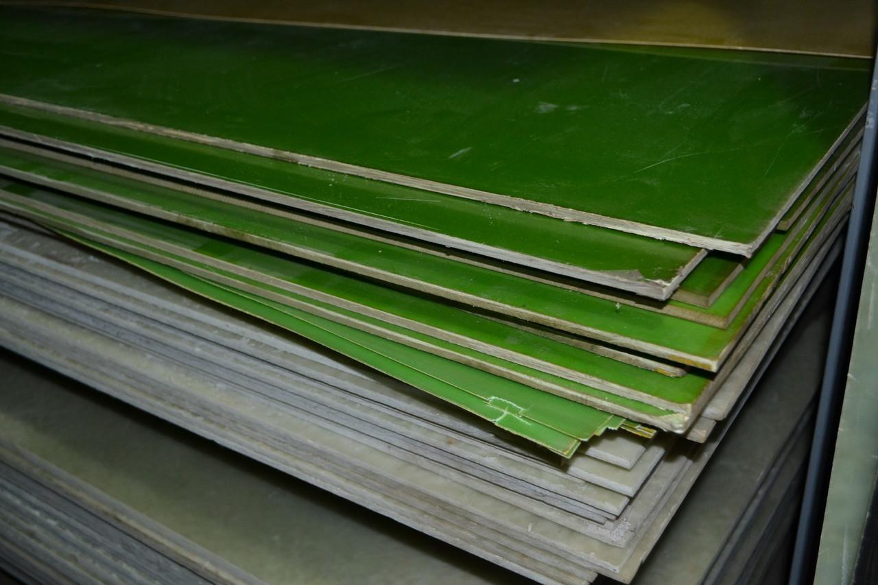Стеклотекстолит СТ-ЭТФ (+180С) ГОСТ 12652-74. Толщина 0,5мм. Размер листа 1000х2000мм.