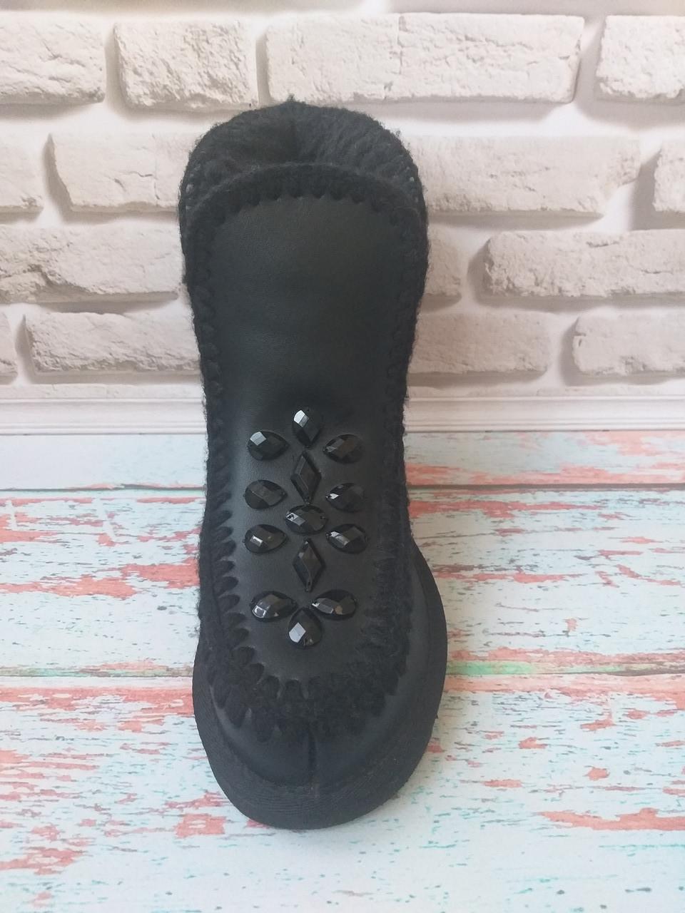 Черные кожаные угги Ugg с камнями