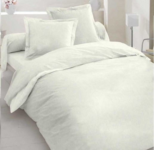 Лоскуток. Постельная бязь белого цвета 135 г/м2 № 280  91*220 см.