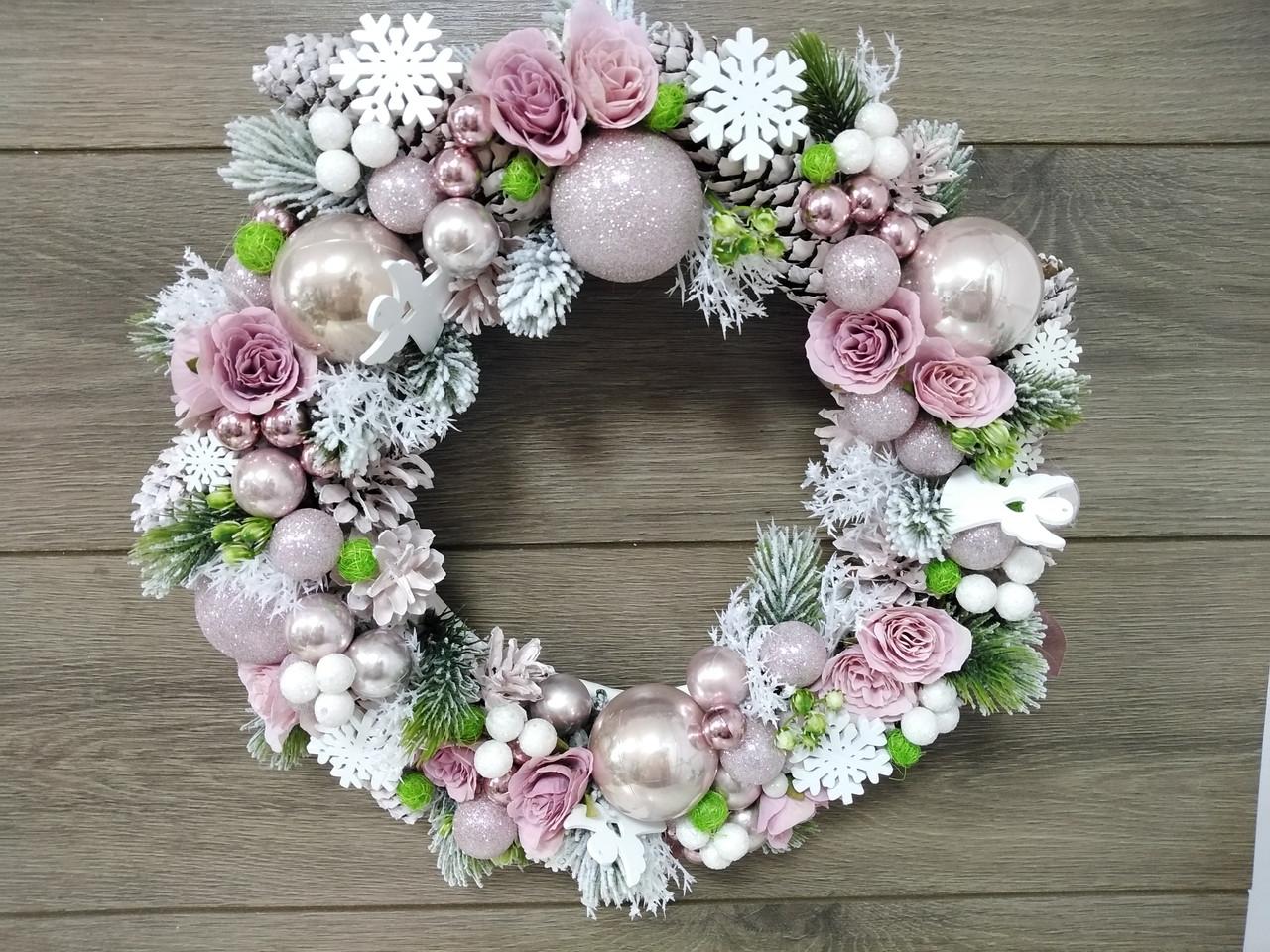 Новогодний венок Волинські візерунки на натуральной лозе пудровый д. 50 см