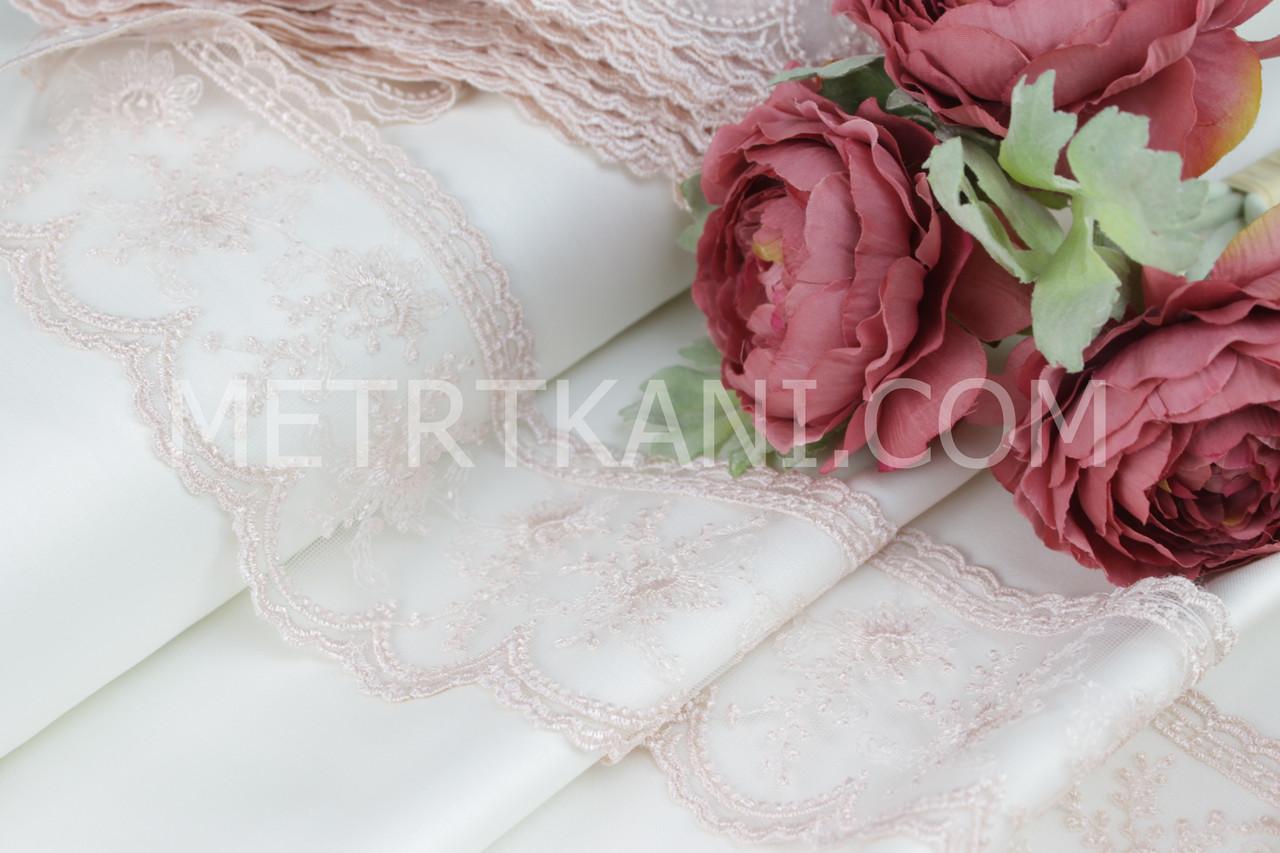 Кружево с цветочками пудрового цвета на мелкой сеточке  7 см. №2500-9